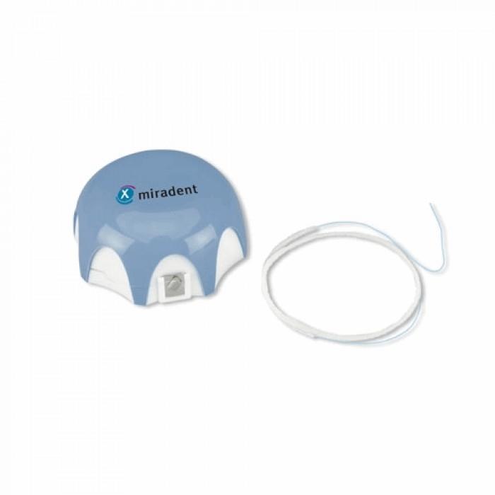 Нить зубная антибактериальная для имплантов и мостовидных протезов Mirafloss Implant chx, средняя толщина 2,2 мм, 15 см, Miradent, 50 шт.